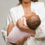 Bebeğimi 1.Ayda Nasıl Beslemeliyim?