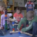 Okul öncesi eğitim çocuğun gelişimine yardımcı olur mu?